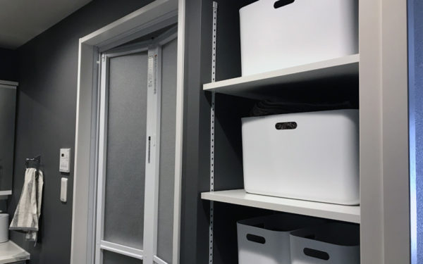 洗面所の可動棚