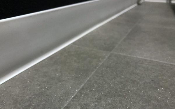 サンゲツ HM10094 ラスティタイルはラメが輝いて素敵